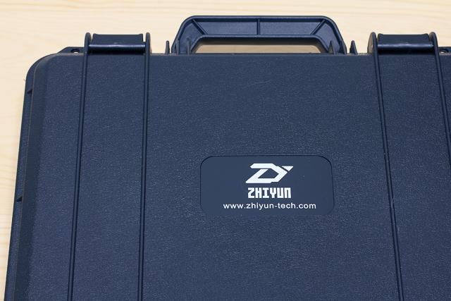 Amazonで激安セール中のジンバル「Zhiyun Crane V2」の簡易レビュー