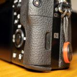 ソニーのカメラ「α7シリーズ」のグリップラバー剥がれ修理費は?