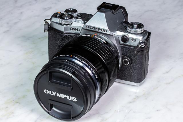 OM-D E-M5 Mark IIレンズキット