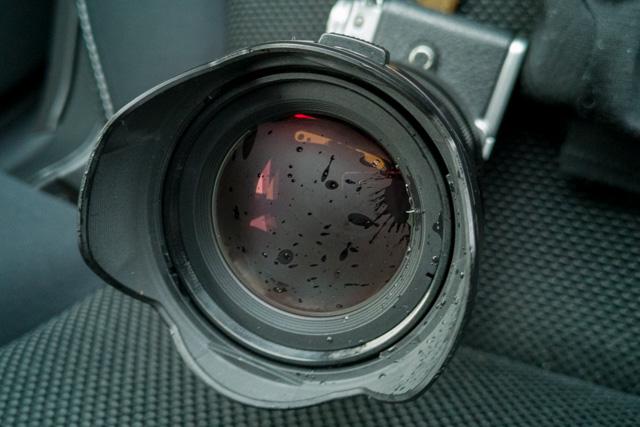 湿気で曇る12-40mm F2.8 PRO